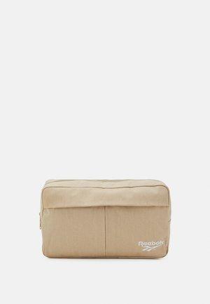 CROSSBODY BAG UNISEX - Bum bag - utibei
