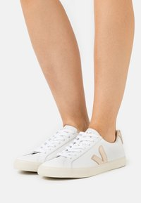Veja - ESPLAR LOGO - Sneakers laag - extra white/platine - 0