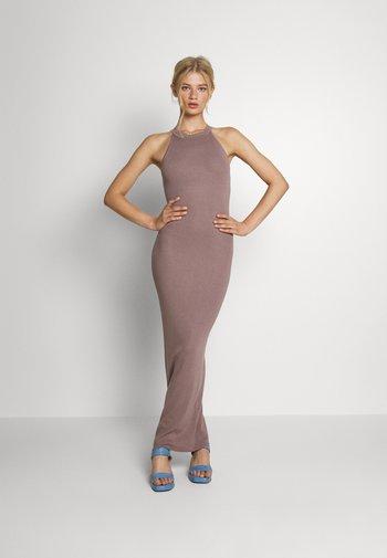 HALTER DRESS - Maxi dress - mocha