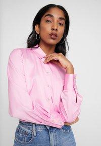 Miss Selfridge - BUBBLEGUM - Button-down blouse - pink - 3
