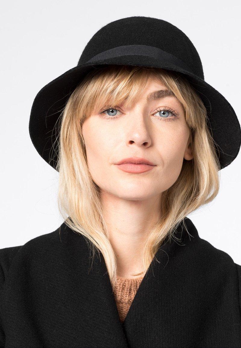 HALLHUBER - Hat - schwarz