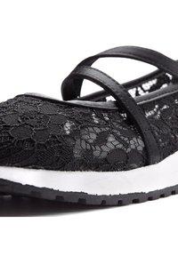 LASCANA - Ankle strap ballet pumps - schwarz - 4