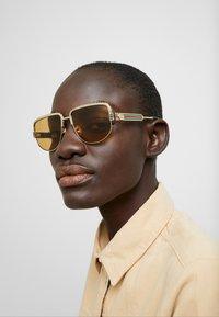 Gucci - Sunglasses - gold-coloured/yellow - 2