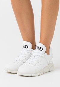 F_WD - Tenisky - white - 0