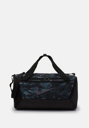 DUFF UNISEX - Sports bag - light smoke grey/black/metallic cool grey
