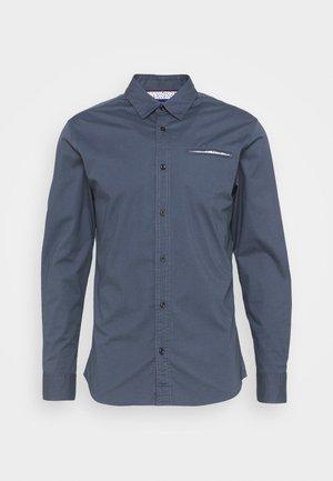 JORBILLY SLIM FIT - Košile - ombre blue