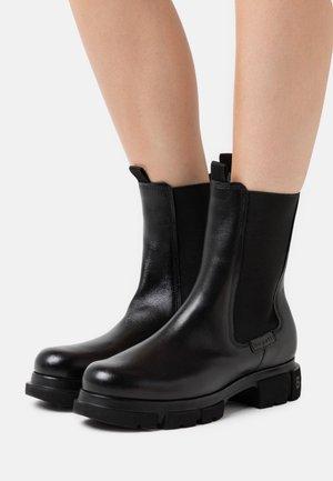 FABELLA - Støvletter - black