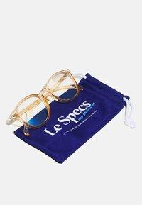Le Specs - BLUE LIGHT BANDWAGON  - Other accessories - vintage clear - 2