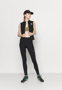 Roxy - HEROS  - Medium support sports bra - covert green - 1