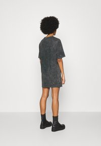 Nly by Nelly - EXTRA TEE DRESS - Jersey dress - grey - 2