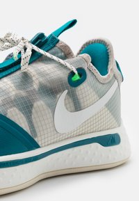 Nike Performance - PG 4 - Zapatillas de baloncesto - sail/cool grey/natural - 5