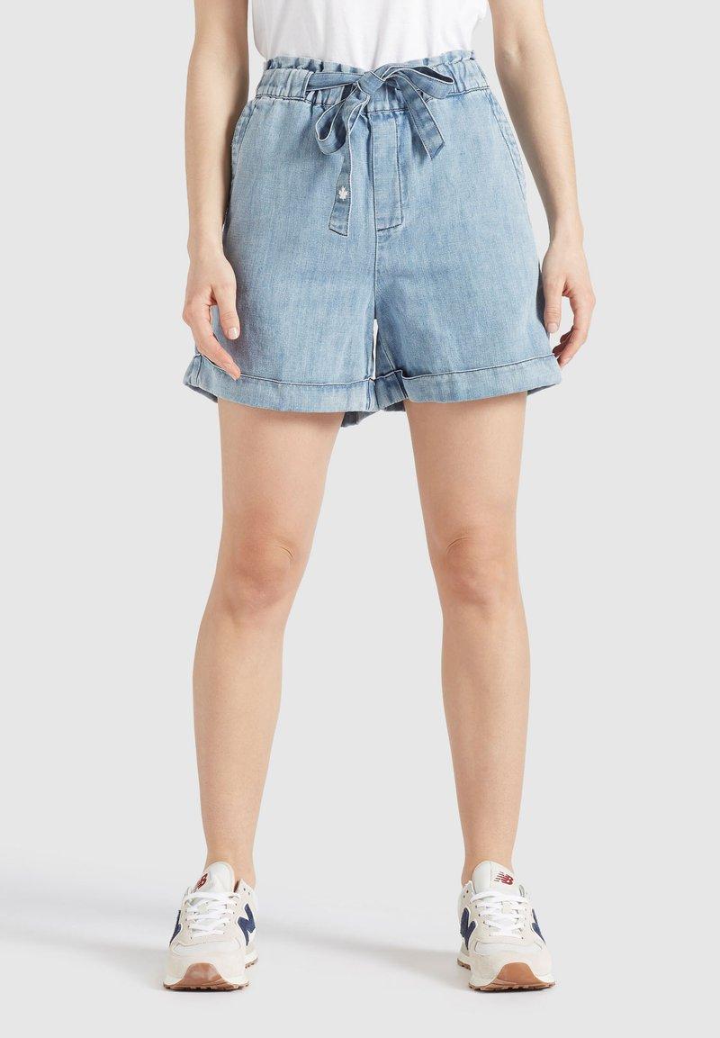 khujo - CANDICE - Denim shorts - blau