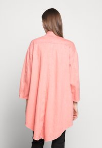 MM6 Maison Margiela - Krátký kabát - pink - 2