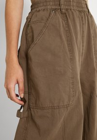 BDG Urban Outfitters - BAGGY PANT - Trousers - chocolate - 3