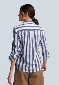 Alba Moda - Button-down blouse - weiß/blau - 2