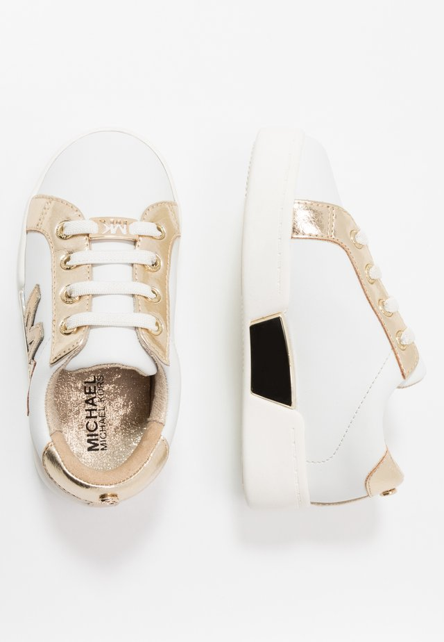ZIA GUARD GOALS - Slip-ons - white/gold