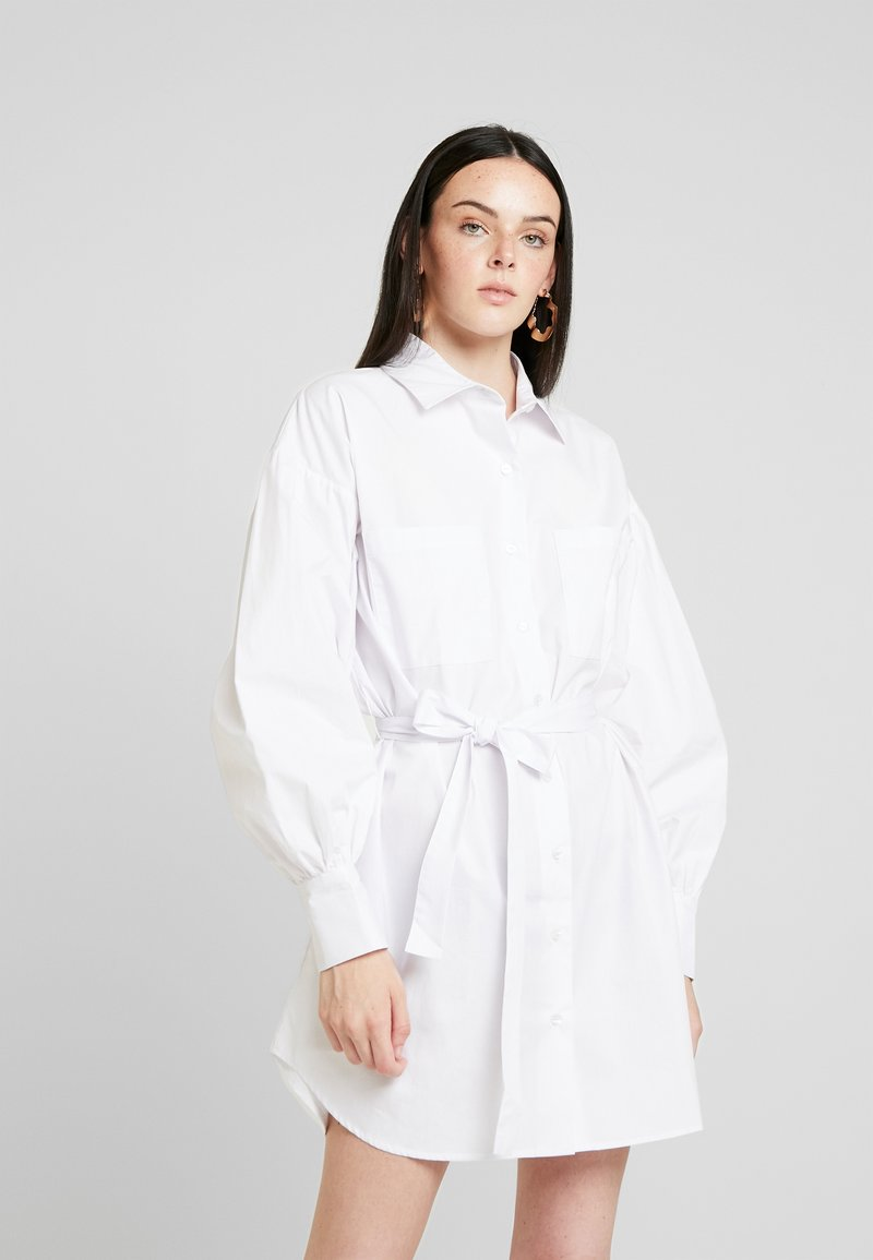 Nly by Nelly - FEMME OVERSIZE SHIRT DRESS - Shirt dress - white