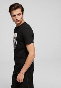 KARL LAGERFELD - IKONIK  - Print T-shirt - black - 3
