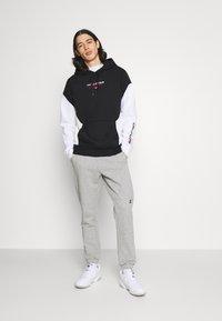 Hollister Co. - MOTO CHASE - Sweatshirt - black - 1