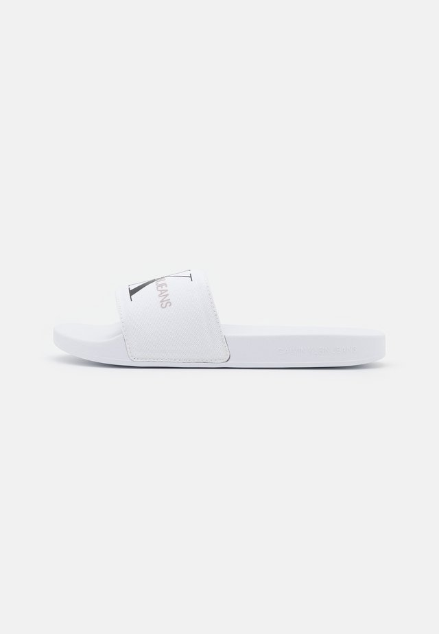 SLIDE MONOGRAM  - Muiltjes - bright white