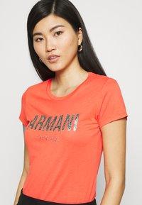 Armani Exchange - Print T-shirt - sangria - 4
