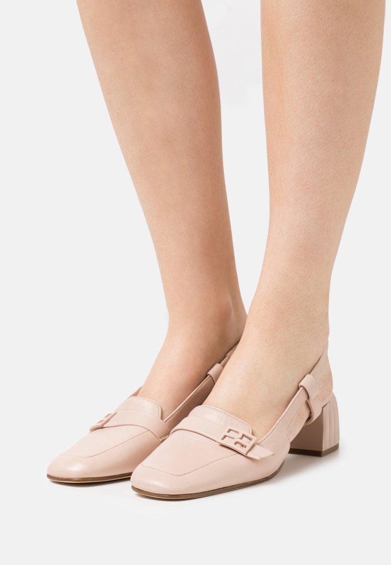 Högl - IN VOGUE - Classic heels - nude