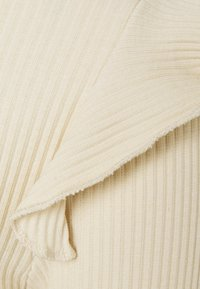 Vero Moda Tall - VMAVA FRILLS - Long sleeved top - birch - 2