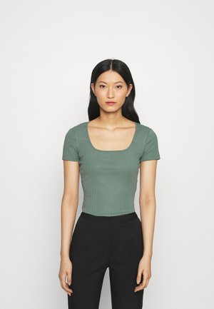 Basic T-shirt - light green