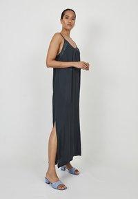 Dioxide - Maxi dress - antracita - 1