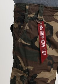 Alpha Industries - JET - Cargobroek - woodland - 5