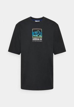 SPORTS INSPIRED LOOSE SHORT SLEEVE TEE - T-shirt med print - black