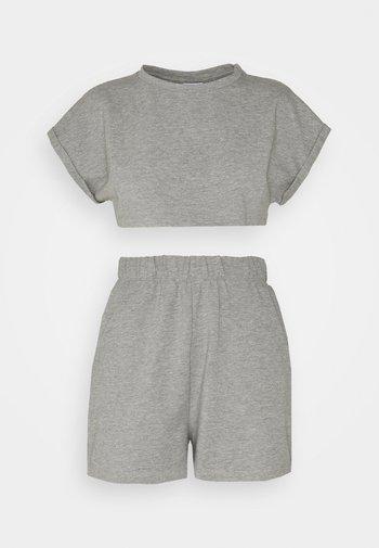 NMMALOU CROPPED SET - Teplákové kalhoty - light grey melange