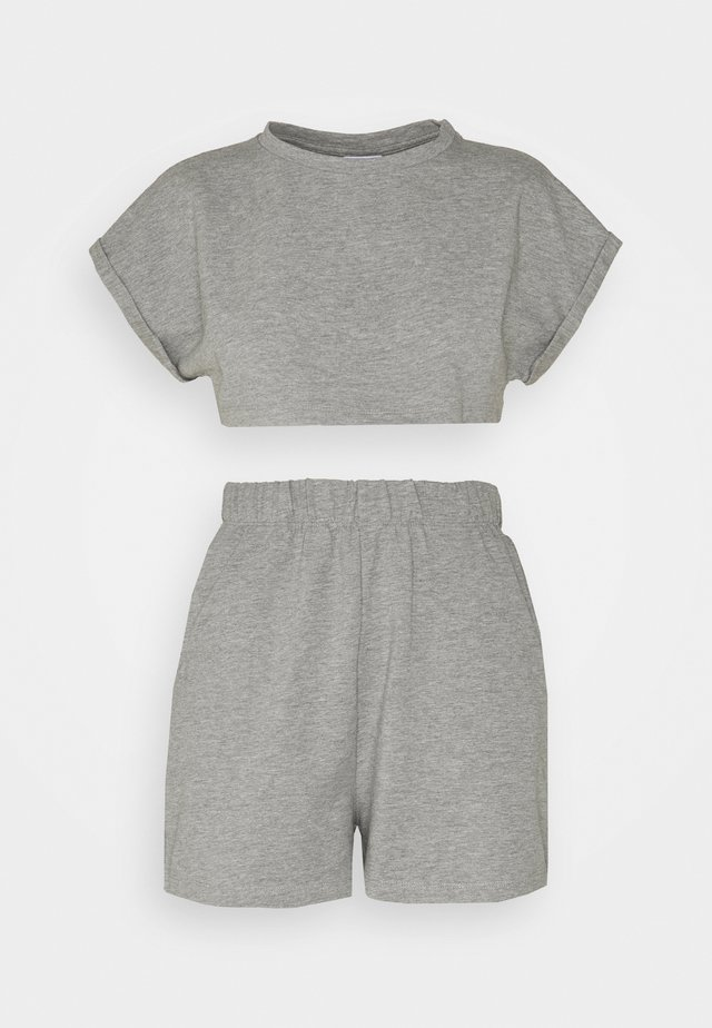 NMMALOU CROPPED SET - Jednoduché triko - light grey melange