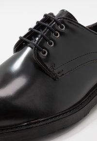 Walk London - REESE DERBY - Šněrovací boty - black - 5