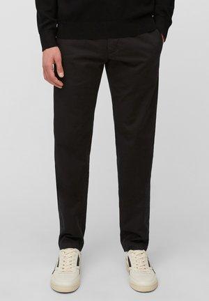 AUS TWILL-STRETCH - Spodnie materiałowe - black