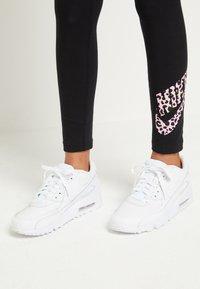 Nike Sportswear - AIR MAX 90  - Sneakers laag - white - 0