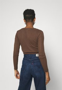 BDG Urban Outfitters - TWIN SET - Chaqueta de punto - chocolate - 2