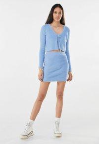 Bershka - MIT SCHLEIFE - Cardigan - light blue - 1
