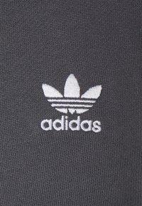 adidas Originals - ESSENTIAL HOODY UNISEX - Felpa con cappuccio - grey - 2