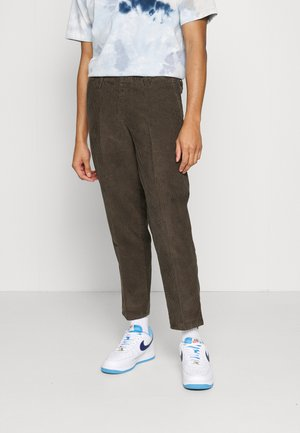 BOWIE LAYBACK PANT - Tygbyxor - coffee