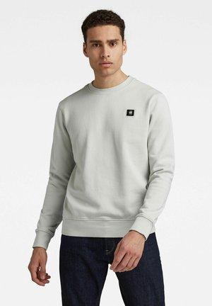 LOGO BADGE - Sweatshirt - gum