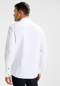Zalando Essentials - Skjorta - white - 2