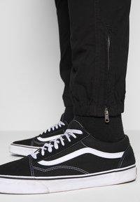 River Island - Cargo trousers - black - 5