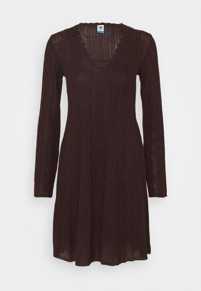 ABITO - Strikket kjole - bordeaux