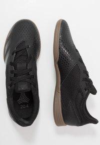 adidas Performance - PREDATOR 20.4 IN SALA - Halové fotbalové kopačky - core black/dough solid grey - 0