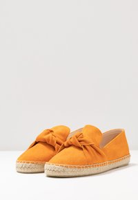 Tamaris - SLIP-ON - Loafers - orange - 4