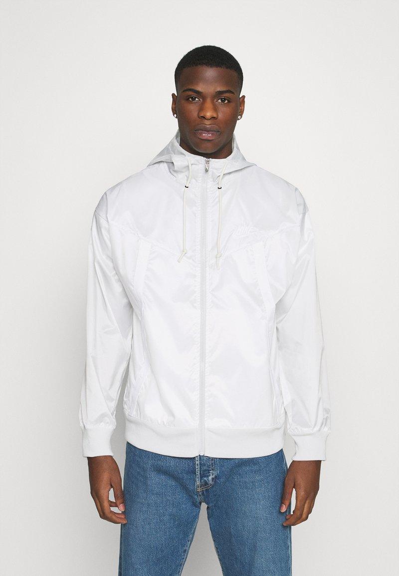Nike Sportswear - Summer jacket - photon dust/summit white