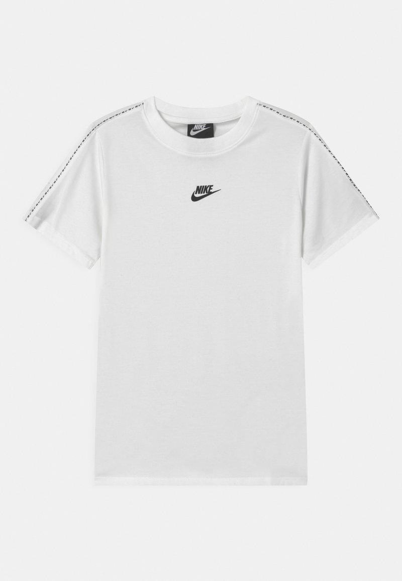 Nike Sportswear - REPEAT TEE - Camiseta estampada - white/black