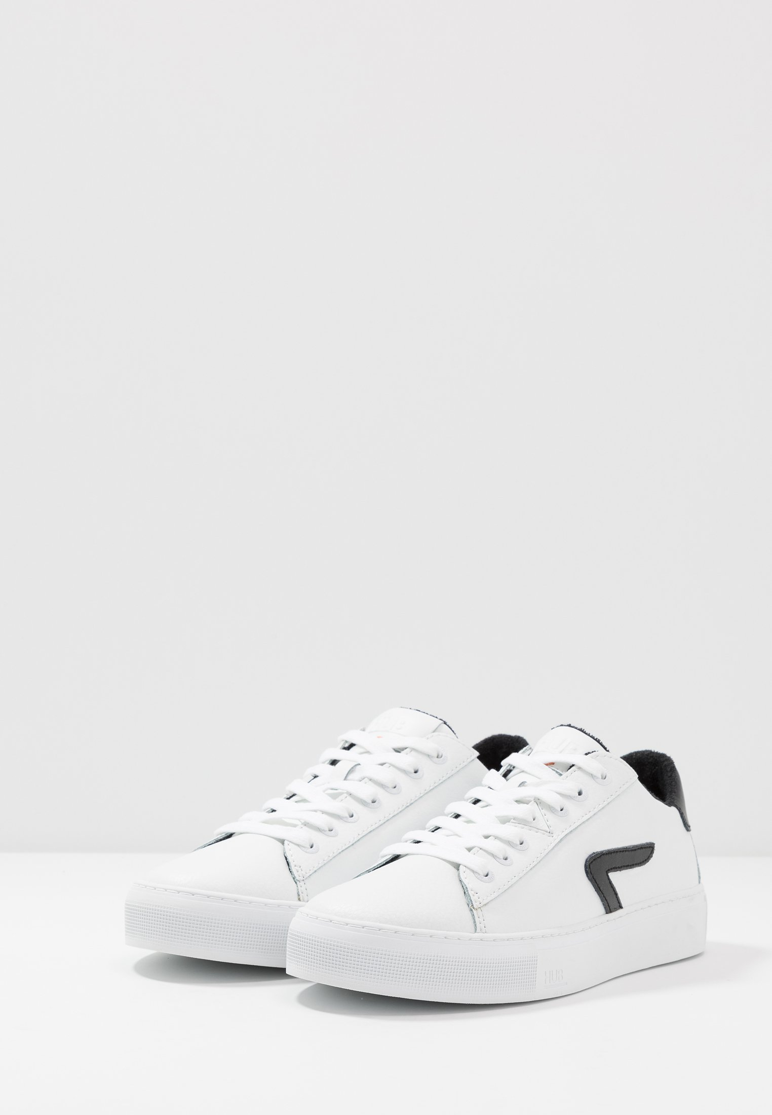 HUB HOOK  - Sneaker low - white/black/weiß - Herrenschuhe GFrcQ