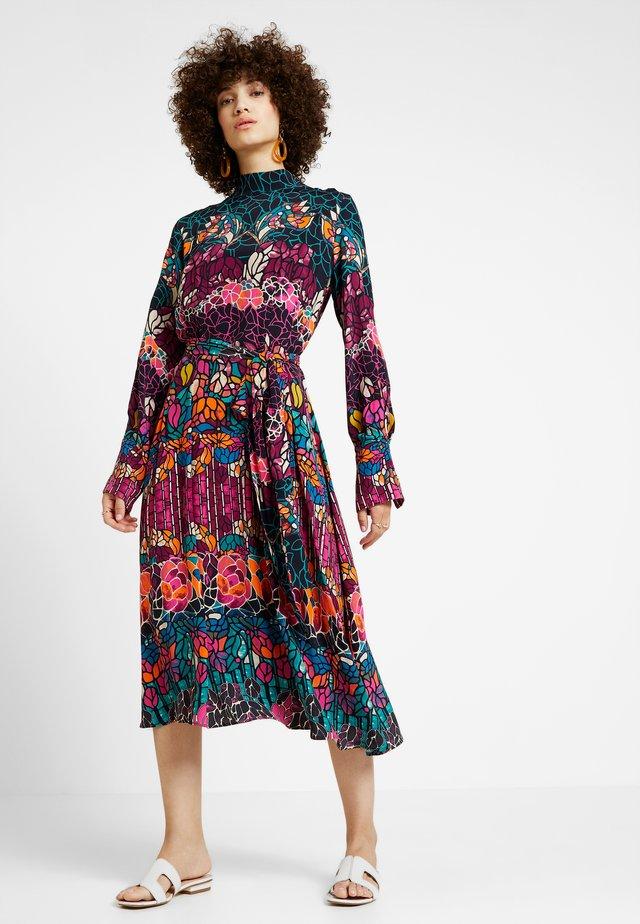 DRESS STRUCTURE PATTERN - Kjole - black